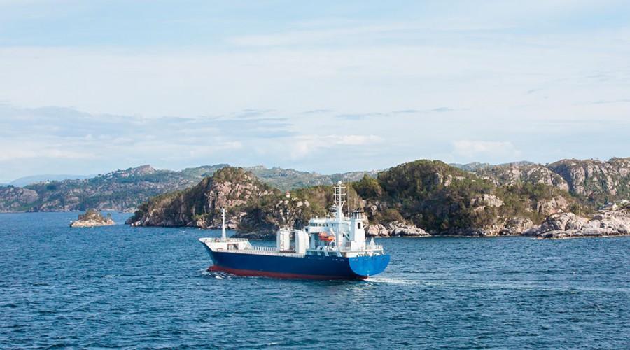 Mindre gods fraktes sjøveien i Norge, til tross for politiske målsettinger om det motsatte. Illustrasjonsfoto: Shutterstock.