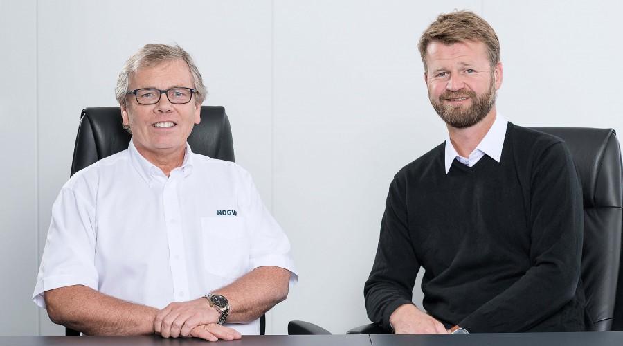 Kjell Norvoll, administrerende direktør i Nogva Motorfabrikk, sammen med daglig leder Svein Tore Tande i Heimdal Propulsion. Foto Nogva