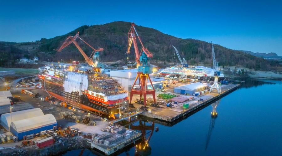 Roald Amundsen og Fridtjof Nansen blir to spektakulære skip når de står ferdige. Amundsen skal leveres på slutten av første kvartal 2019. Foto: Per Eide/Kleven Verft