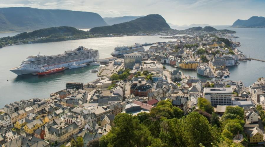 lesund havn får landstrømanlegg med en kapasitet på 32MVA. Foto; Nataliia Budianska -  Shutterstock com