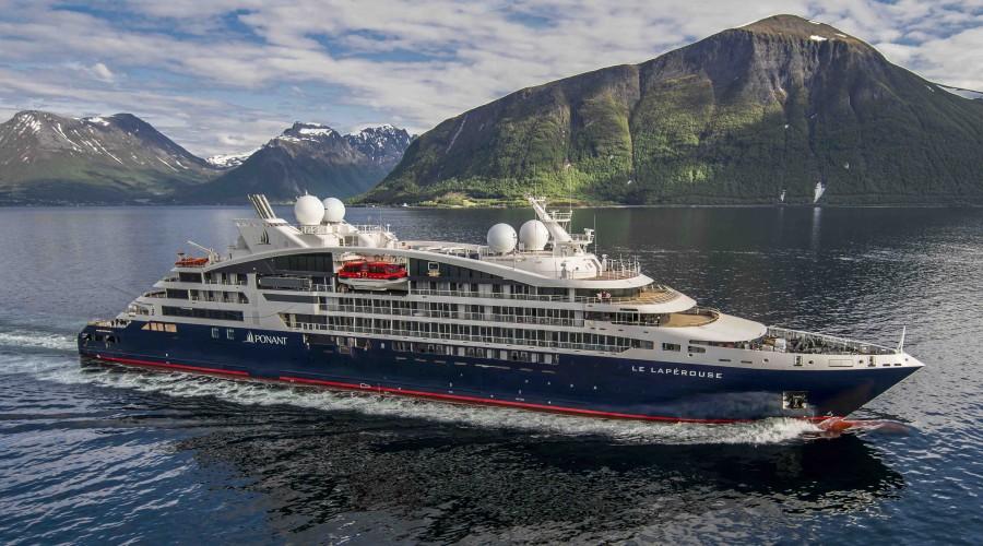 Ekspedisjonscruisefartøyet Le Lapérouse er 131 meter langt, 18 meter bredt og har plass til 180 passasjerer. Foto: Ponant/Philip Plisson