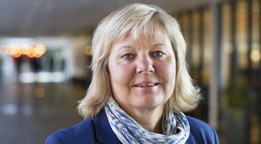 Førsteamanuensis Grete Lysfjord er glad for at Nord universitet fra januar 2021 kan tilby havbruksnæringen et nytt og fleksibelt utdanningstilbud. Foto Svein-Arnt Eriksen/Nord universitet.