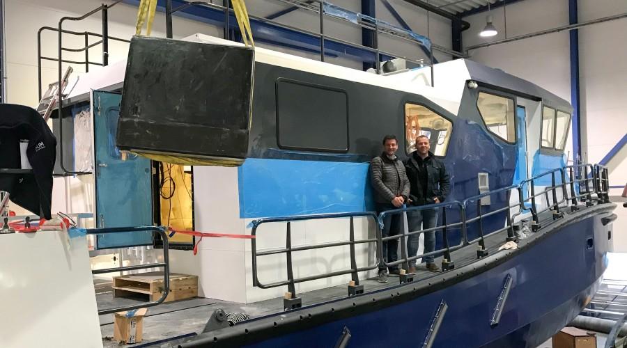 På inspeksjon av bygg nr. 1 Rind Lexo ser vi fra venstre Kjetil Hantveit (Norwegian Rig Shuttle) og Rolf Harald Jensen (Fiskeridirektoratet). Foto: Maritime Partner