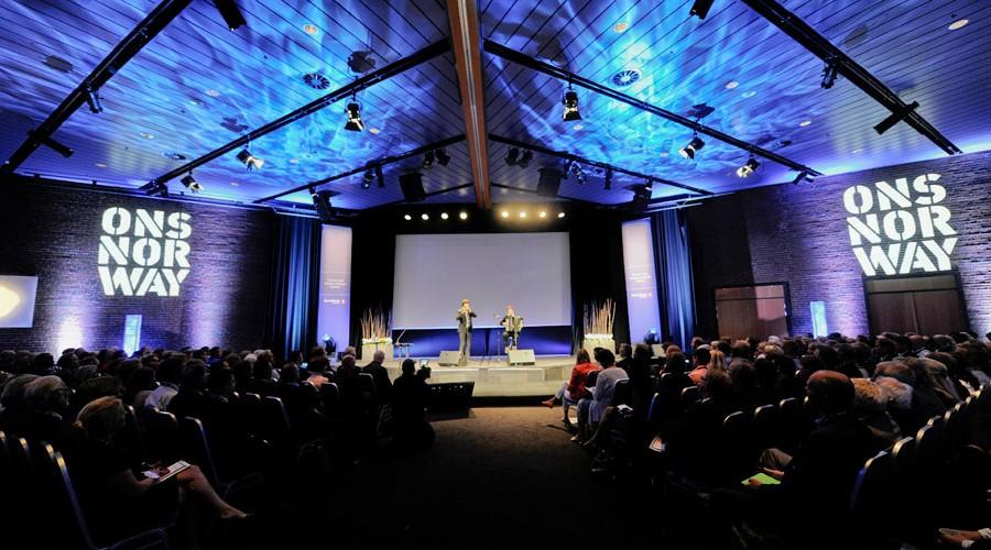 Fullt i salen under åpningen av ONS Norway