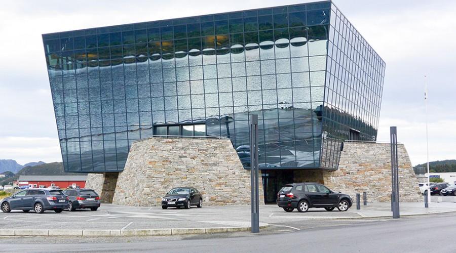 Havila Shipping sitt bygg i Fosnavåg. Foto: John Inge Vikan
