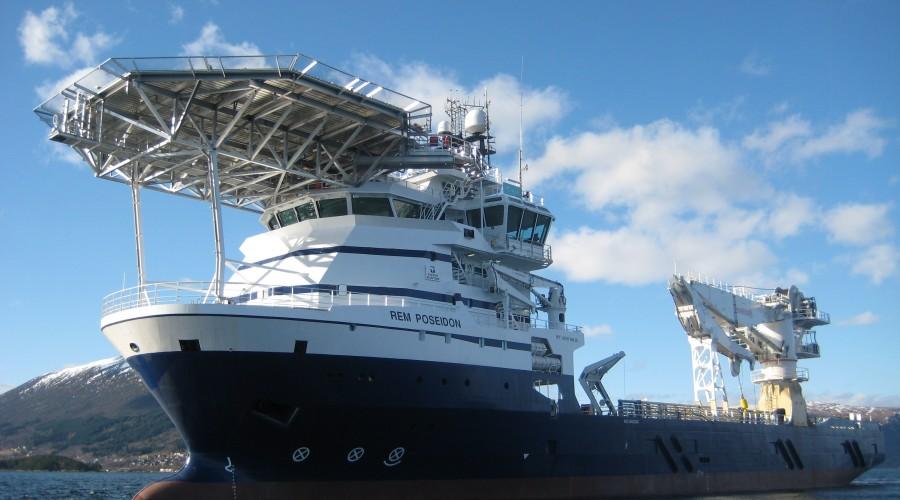 Arkivfoto av det Kleven-bygde konstruksjonsskipet Rem Poseidon, fra da det ble levert i 2009. Skipet er nå er malt om i Solstad sine farger, og navnet er endret til Normand Poseidon. Arkivfoto: Kleven Verft
