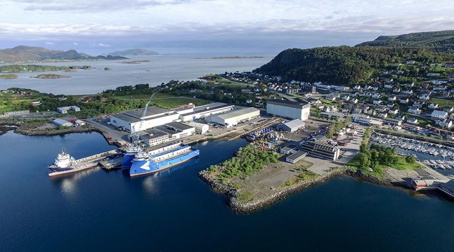 Rolls-Royce melder om nedbemanninger i marinedivisjonen, men også om økte investeringer i avdelingen i Ulsteinvik, som vi ser på bildet her. Foto: Rolls-Royce