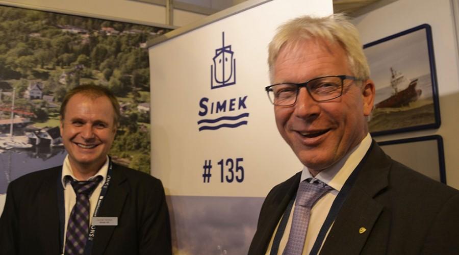 Salgssjef Gunnar Arnold Nordbø og administrerende direktør Øyvind Iversen i Simek kan juble for ny storkontrakt.