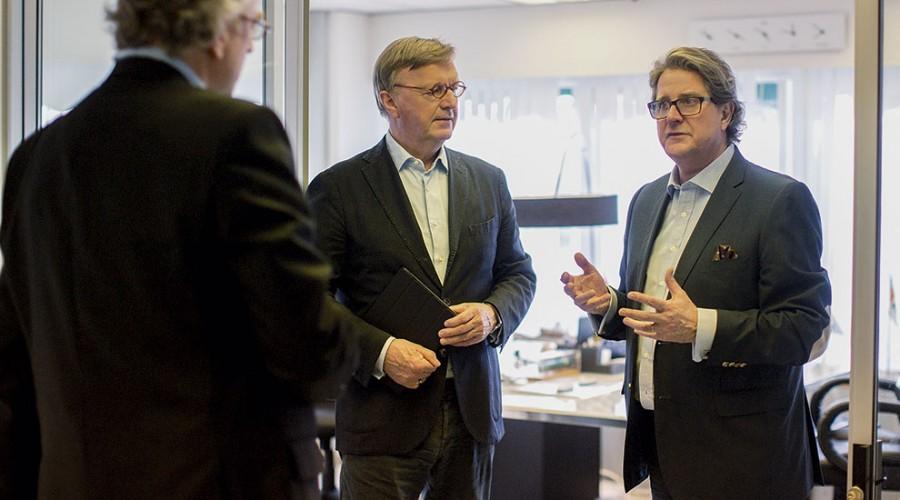 Fra v. Diderik Schnitle og Harald Schioldborg jr., to av trioen som er klare for å tilby estiske tjenester til det nordiske offshore- og maritime markedet. Foto: Stine Moen