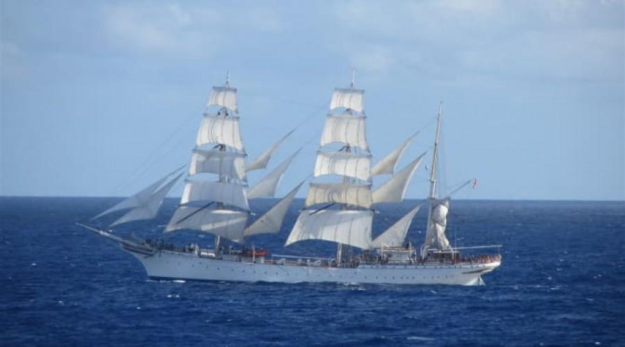 Seilskipet Statsraad Lehmkuhl får batterier om bord som lades av skipets propell. Foto: Stiftelsen Seilskipet Statsraad Lehmkuhl
