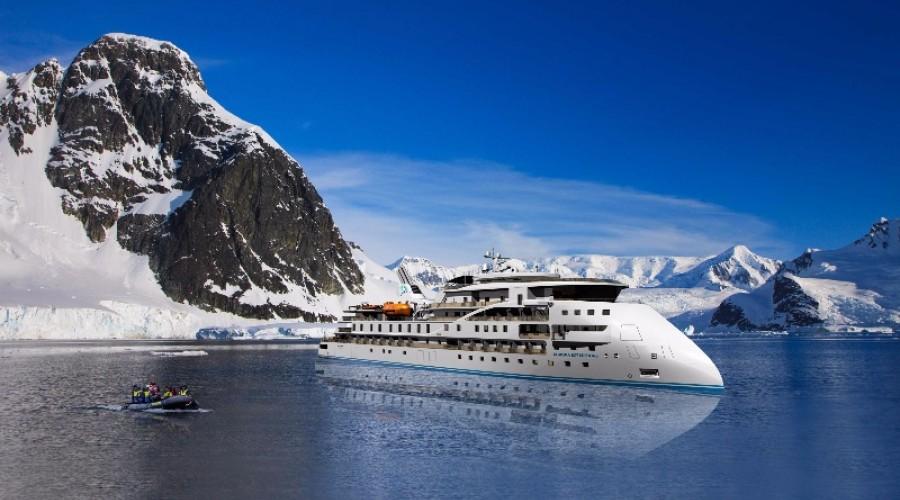 Slik blir X-Bow-skipene som Ulstein har designet og som blant annet skal brukes av Aurora Expedisjons i Antarktis. Illustrasjon: Aurora Expeditions